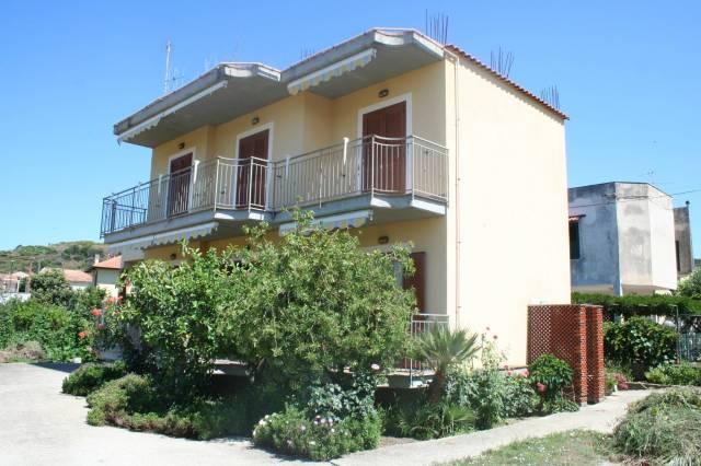 Appartamento in buone condizioni in vendita Rif. 7242557