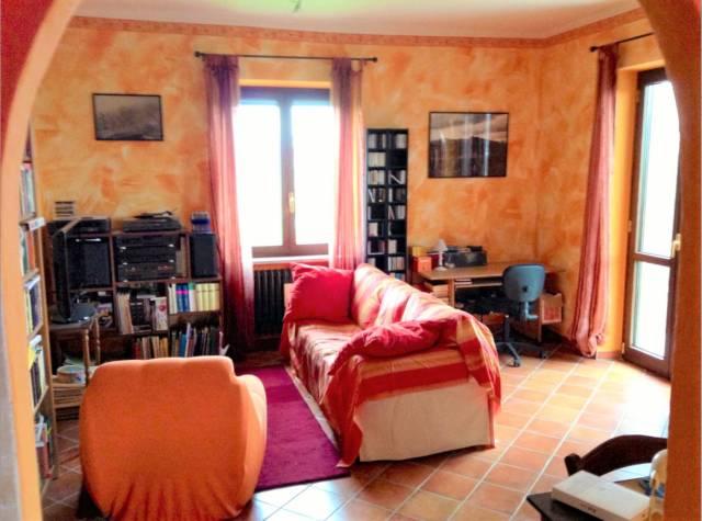 Appartamento in ottime condizioni arredato in affitto Rif. 7241414