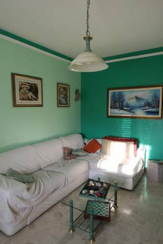 Appartamento in buone condizioni in vendita Rif. 7244030