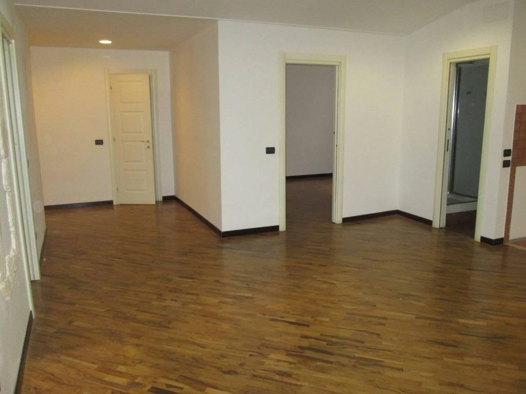 Appartamento in ottime condizioni in affitto Rif. 7243275