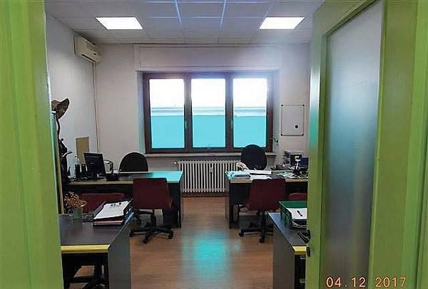 Ufficio / Studio in vendita a Torino, 6 locali, zona Barca-Bertolla, Falchera, Barriera Milano, Corso Regio Parco, Rebaudengo, prezzo € 180.000 | PortaleAgenzieImmobiliari.it