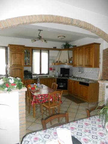 Appartamento in buone condizioni in vendita Rif. 7244033