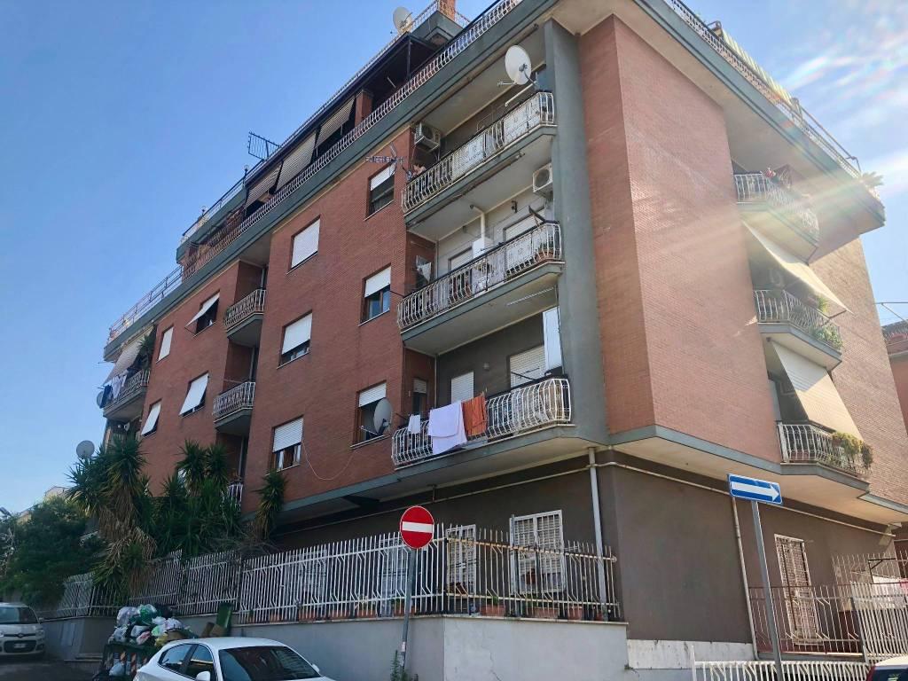 Attico / Mansarda in vendita a Roma, 3 locali, zona Zona: 35 . Setteville - Casalone - Acqua Vergine, prezzo € 230.000 | CambioCasa.it