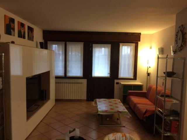 Appartamento in ottime condizioni parzialmente arredato in vendita Rif. 7242725