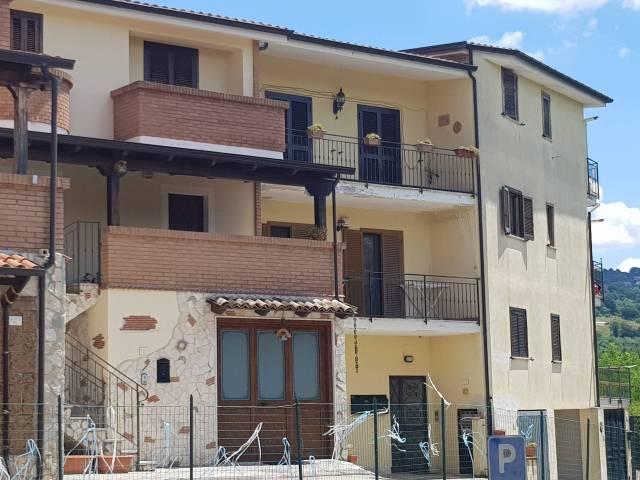 Appartamento in ottime condizioni in vendita Rif. 4350594