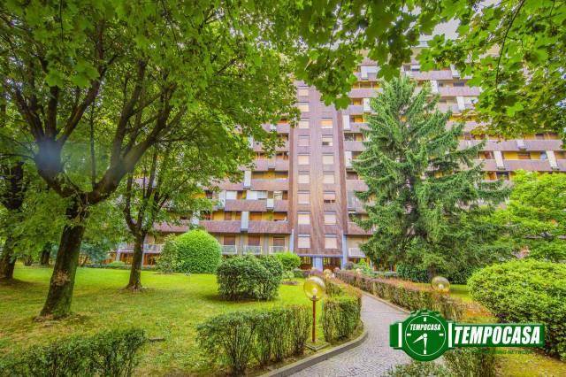 Appartamento in vendita 2 vani 115 mq.  via Pergine 3 Milano