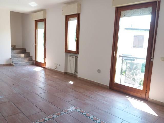 Appartamento in buone condizioni in vendita Rif. 7243719