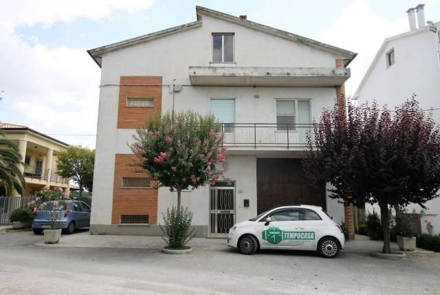 Casa Indipendente in buone condizioni parzialmente arredato in vendita Rif. 7243021