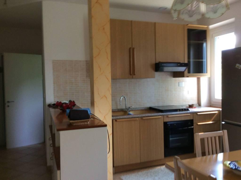 Appartamento in ottime condizioni arredato in vendita Rif. 7254471