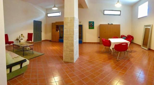 Appartamento in buone condizioni arredato in affitto Rif. 7251478