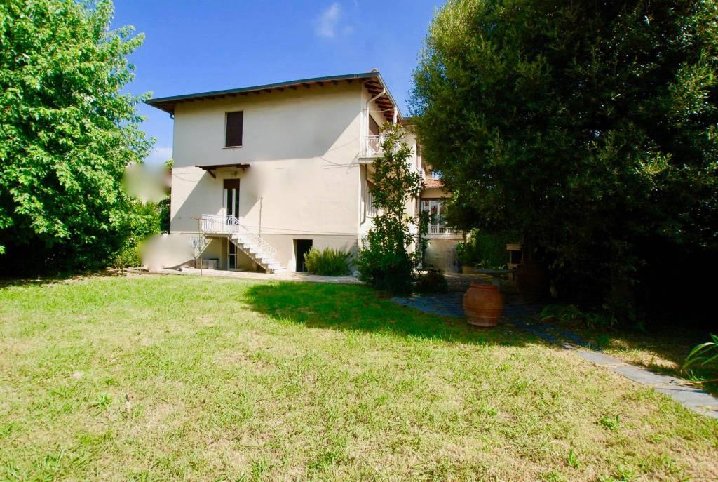 Appartamento in buone condizioni parzialmente arredato in vendita Rif. 7252746