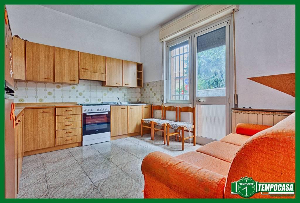 Appartamento in buone condizioni in vendita Rif. 8914686