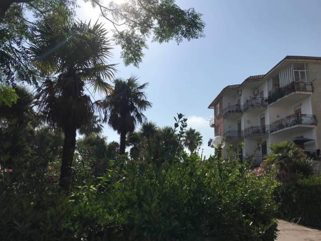 Appartamento in buone condizioni in vendita Rif. 7251719