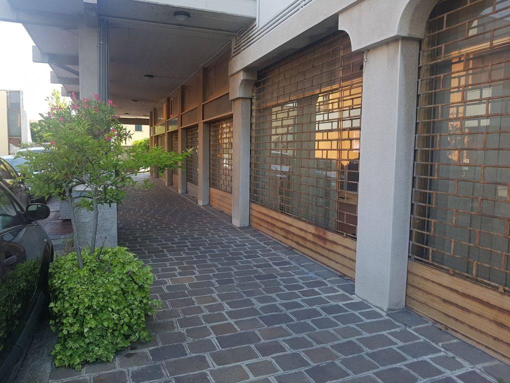 Negozio / Locale in vendita a Palazzolo sull'Oglio, 1 locali, prezzo € 98.000 | PortaleAgenzieImmobiliari.it