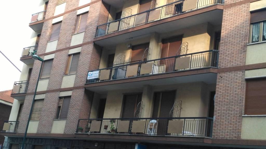 Appartamento in buone condizioni parzialmente arredato in affitto Rif. 7084222
