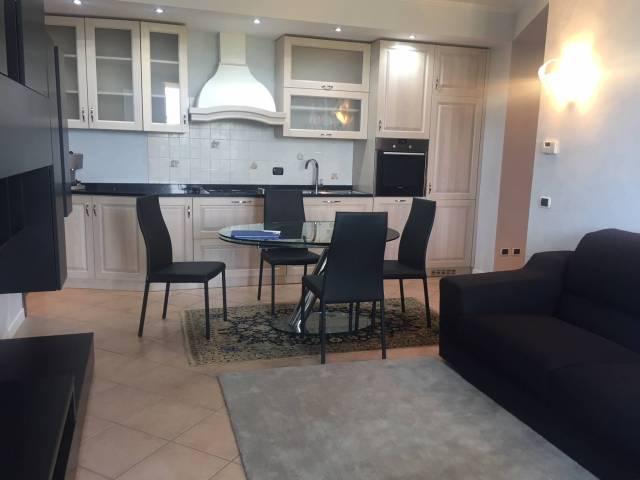 Appartamento in buone condizioni arredato in affitto Rif. 7256201