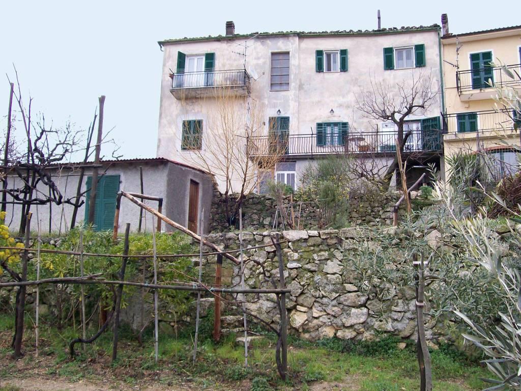Appartamento in buone condizioni in vendita Rif. 7254562