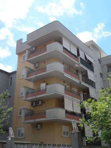 Appartamento in buone condizioni in affitto Rif. 7253188
