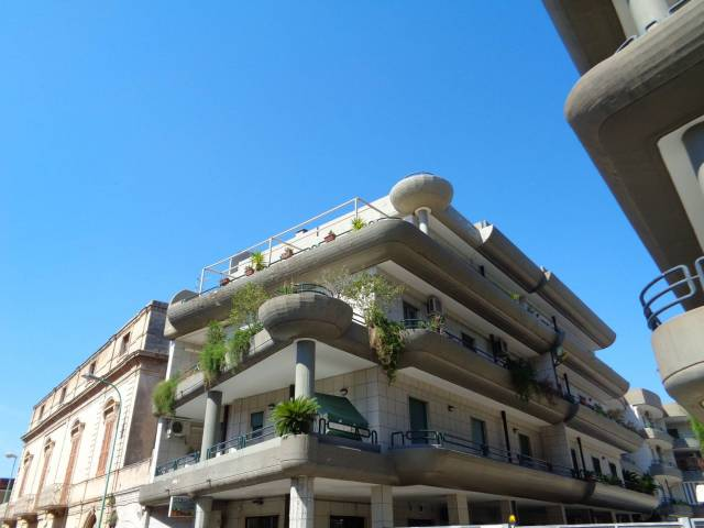 Appartamento in ottime condizioni in vendita Rif. 7252863