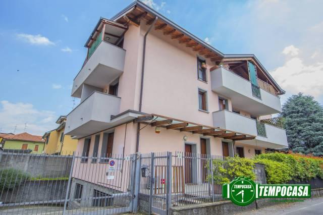 Appartamento in ottime condizioni arredato in vendita Rif. 7256904