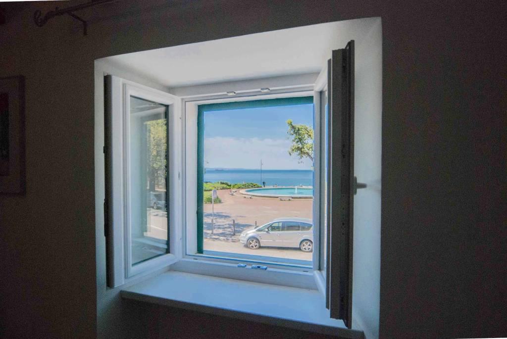 Appartamento in ottime condizioni arredato in vendita Rif. 9306676