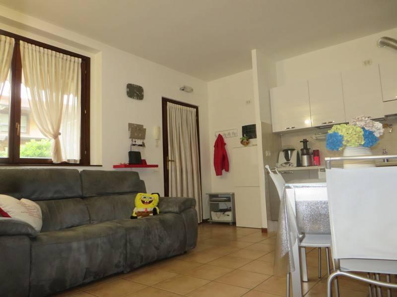 Appartamento in vendita a Albano Sant'Alessandro, 2 locali, prezzo € 125.000 | CambioCasa.it