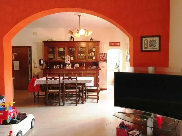 Appartamento in buone condizioni arredato in affitto Rif. 7252974