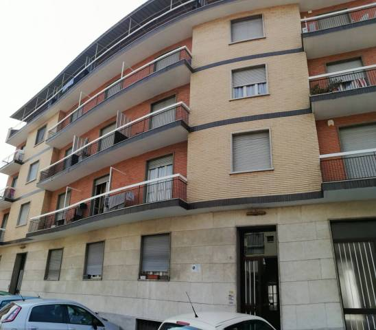 Appartamento in affitto a Venaria Reale, 3 locali, prezzo € 800 | CambioCasa.it