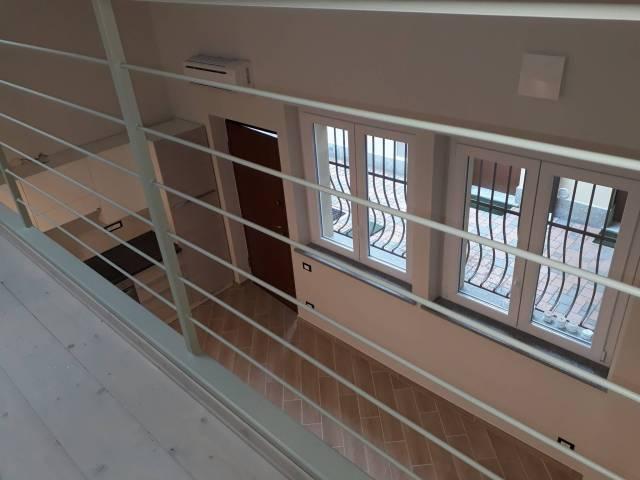Appartamento in ottime condizioni arredato in affitto Rif. 6923371