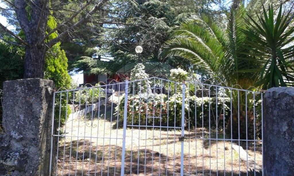 Villa in Vendita a Piedimonte Etneo Periferia: 2 locali, 52 mq
