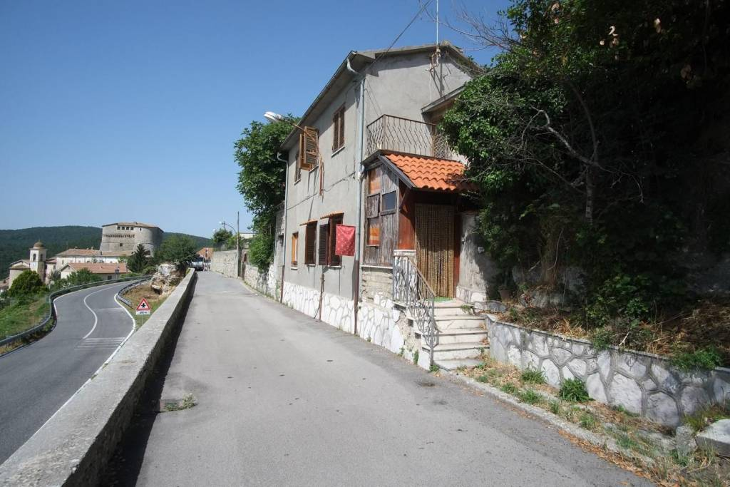 Trilocale in affitto a Torricella in Sabina in Via Del Colle