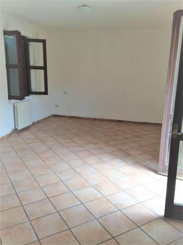 Appartamento in ottime condizioni in affitto Rif. 7266541