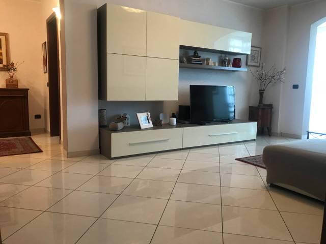 Appartamento in ottime condizioni arredato in vendita Rif. 7266145