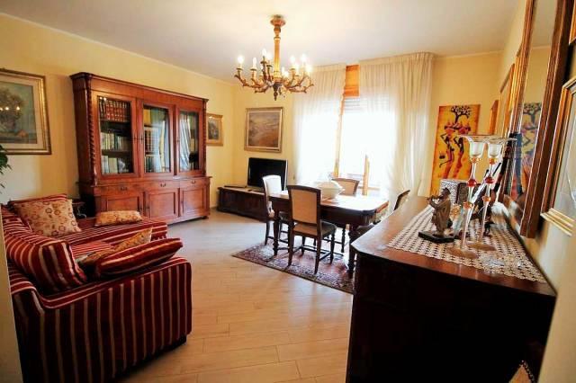 Appartamento in ottime condizioni parzialmente arredato in vendita Rif. 7269224