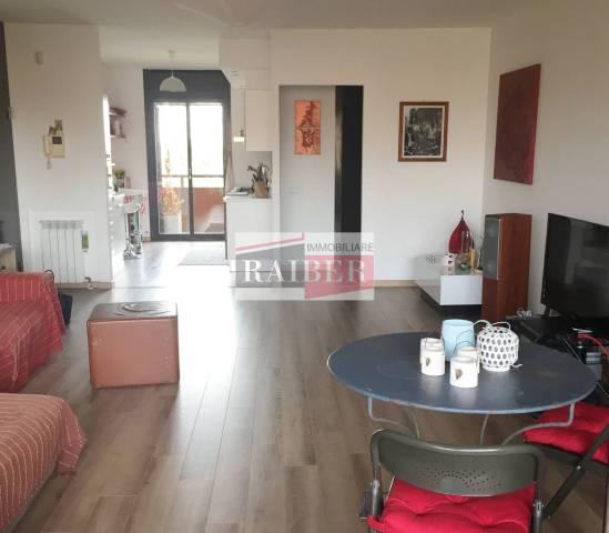 Appartamento in ottime condizioni parzialmente arredato in vendita Rif. 7267009