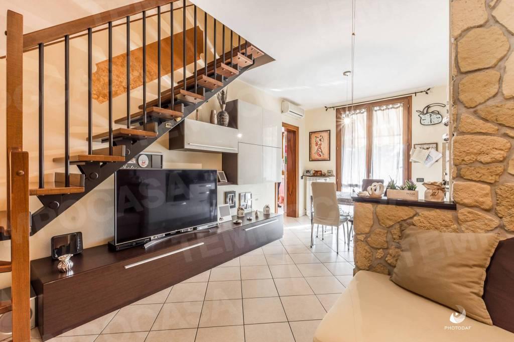 Recente appartamento su due livelli.