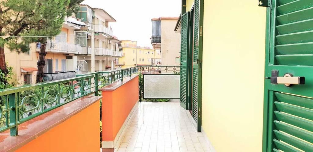 Appartamento in buone condizioni in affitto Rif. 7267137