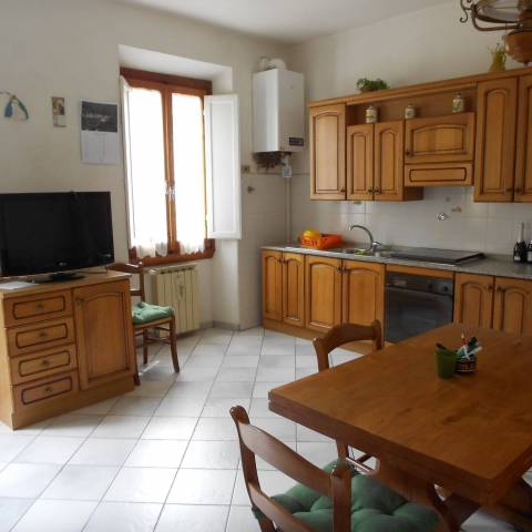 Appartamento in buone condizioni in vendita Rif. 7266312