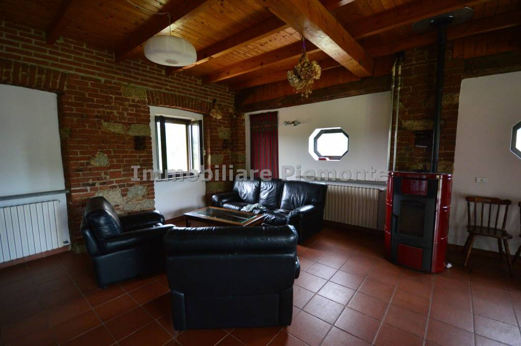Appartamento in buone condizioni parzialmente arredato in affitto Rif. 7268278