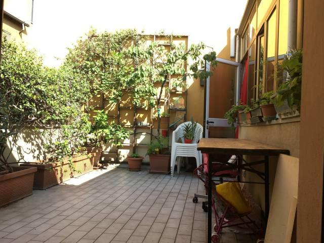Appartamento in vendita 4 vani 100 mq.  via Luigi Resnati Milano