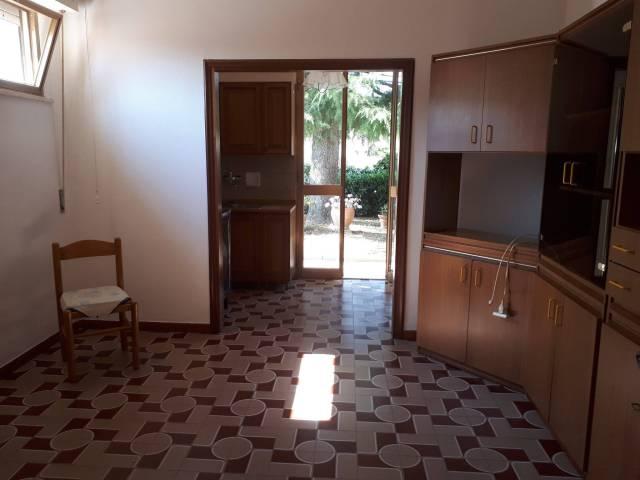 Appartamento in buone condizioni parzialmente arredato in affitto Rif. 7267781