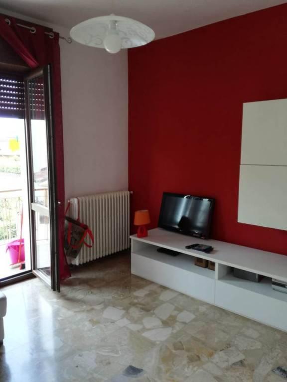Appartamento in Vendita a Garbagnate Milanese Semicentro: 3 locali, 93 mq