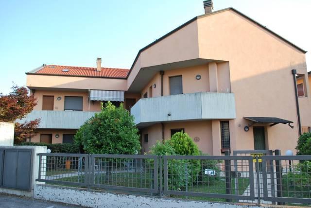 Appartamento in buone condizioni in vendita Rif. 7267581