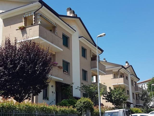 Appartamento in buone condizioni in vendita Rif. 7268775