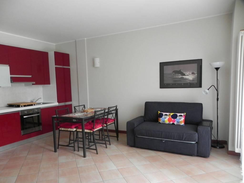 Appartamento in ottime condizioni arredato in affitto Rif. 7766962