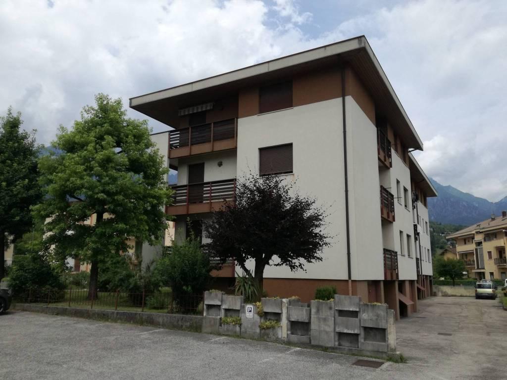 Appartamento in buone condizioni in vendita Rif. 7265961