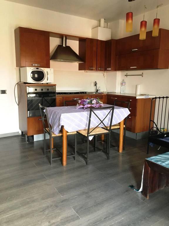 Appartamento in ottime condizioni arredato in vendita Rif. 7266585