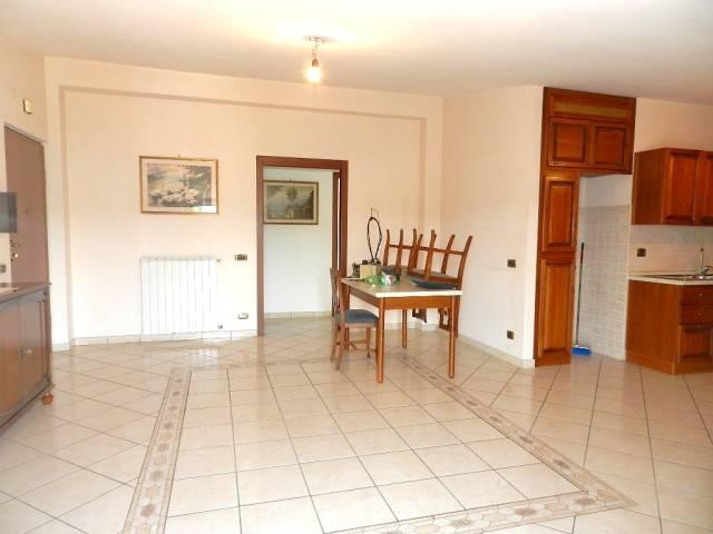 Appartamento in ottime condizioni parzialmente arredato in affitto Rif. 7266098
