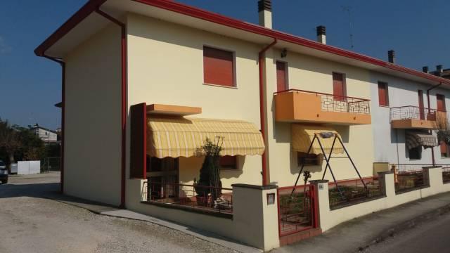 Villa in buone condizioni in vendita Rif. 7271646