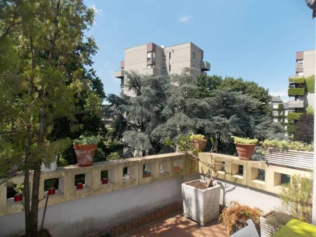 Appartamento in buone condizioni parzialmente arredato in vendita Rif. 7266624